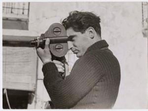 robert-capa-fotografiado-por-gerda-taro-en-segovia-1937