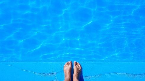 pool-1617337_960_720